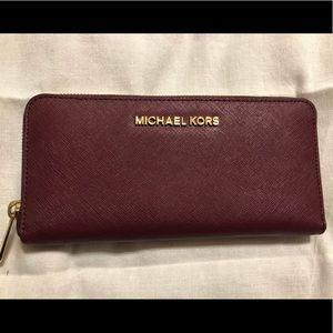 Michael Kors zip wallet